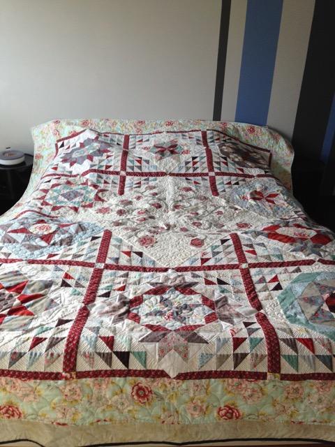 Pour le printemps un couvre lit tout fleuri crayon - Couvre lit pour grand lit ...